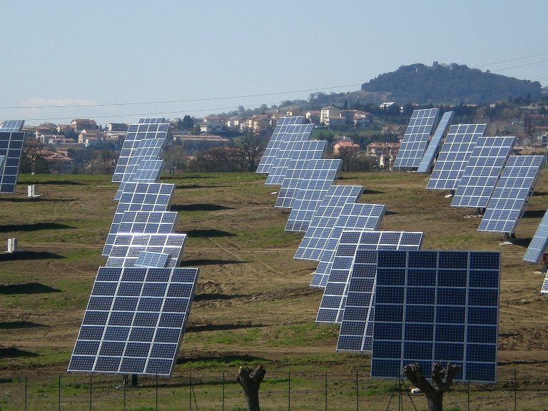 Novit in materia di fotovoltaico e solare for Piani di cabina solare